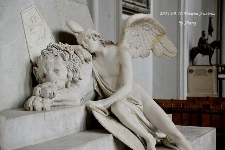"""""""哈布斯堡王朝的葬礼非常独特,尸体要分三处埋葬_奥古斯丁大教堂""""的评论图片"""