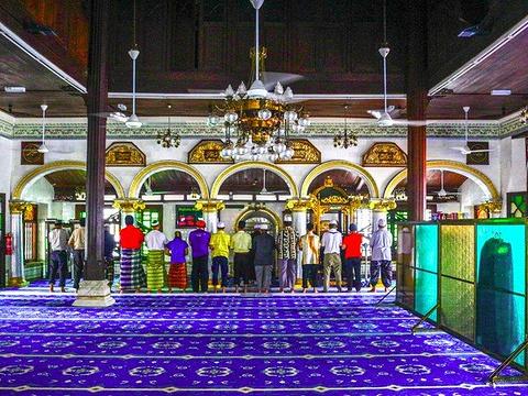 甘榜吉宁清真寺旅游景点图片