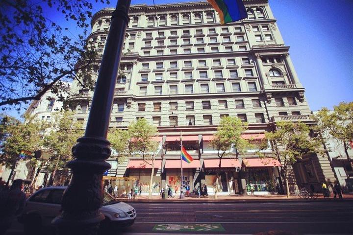 """""""联合广场属于旧金山比较大的购物广场了吧,如果运气好是可以碰上许多打折活动,我们也不是专门为了购..._联合广场""""的评论图片"""