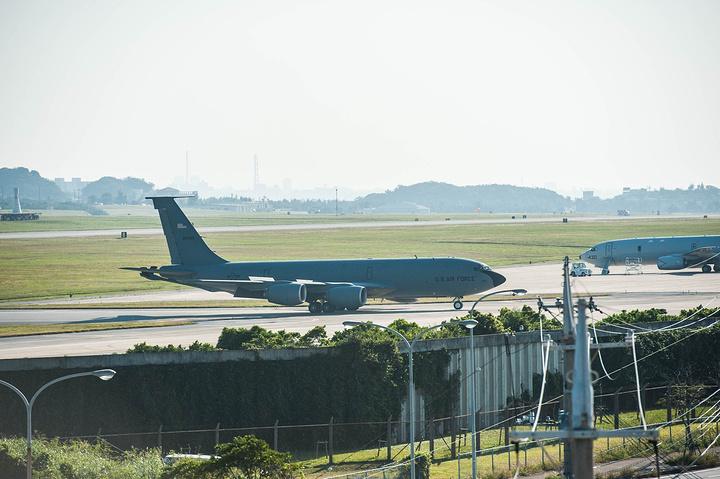 """""""比较详尽地介绍美军嘉手纳空军基地,军事迷可以过来看_嘉手纳空军基地""""的评论图片"""