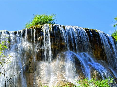 珍珠滩瀑布旅游景点图片