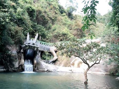 天露山禅龙峡