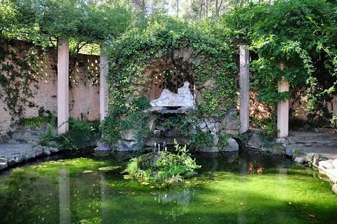 奥尔塔迷宫花园的图片