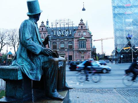 安徒生铜像旅游景点图片
