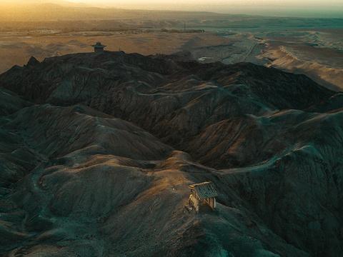 三危山旅游景点图片