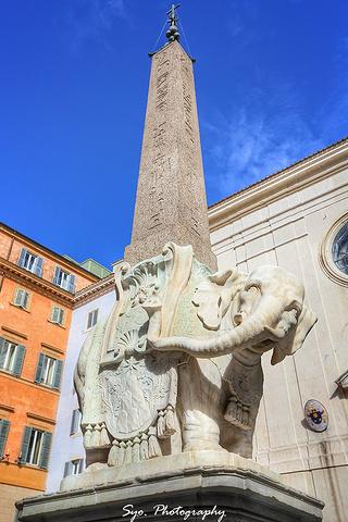"""""""继续沿着Via dei Cestari直走,看到大象方尖碑就到了神庙遗址圣母堂了_神庙遗址圣母堂""""的评论图片"""
