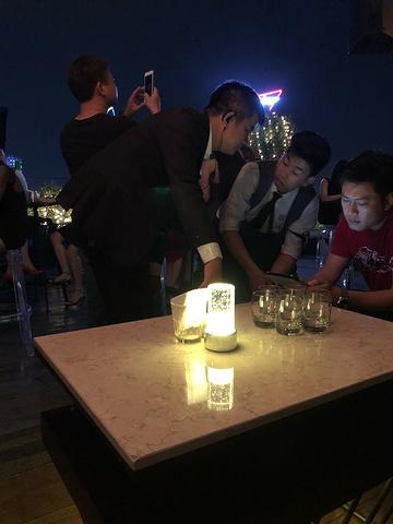 """""""_Bitexco Financial Tower - Saigon Skydeck""""的评论图片"""