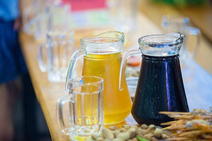 """""""...南侧区域设置广场啤酒花园(中心舞台演出区)一处,共七处篷房啤酒花园、两处酒吧和一处广场啤酒花园_青岛国际啤酒节""""的评论图片"""