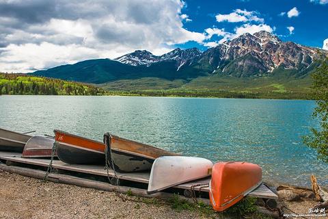 金字塔湖的图片