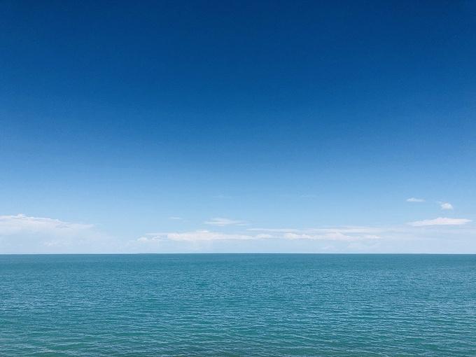 天空之镜与高原明珠图片