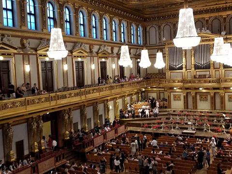 金色大厅旅游景点图片