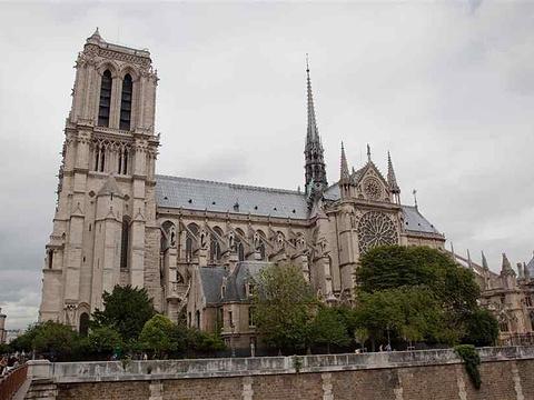 巴黎圣母院旅游景点图片