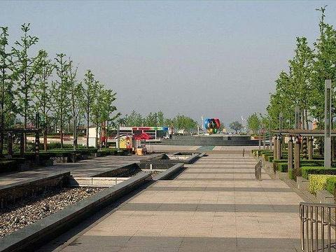 汇泉广场旅游景点图片