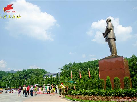 毛泽东铜像旅游景点图片