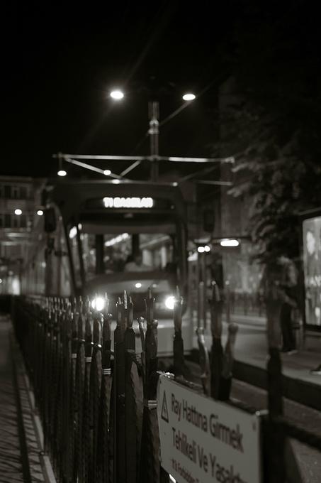 街头偶遇的陌生倾诉。图片
