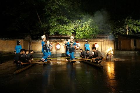 魅力凤凰篝火晚会