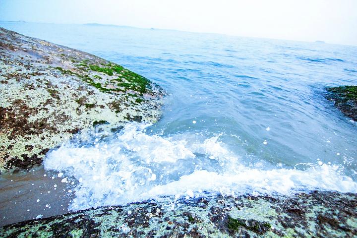 """""""这里的海是厦门附近最蓝的海,关键是游客不多,比较宁静_黄厝海滨""""的评论图片"""