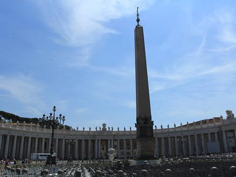 Piazzale Castel San Pietro旅游景点图片