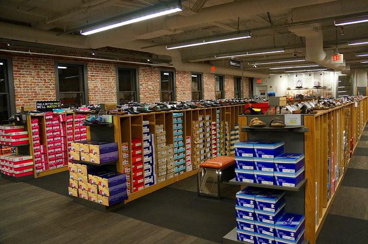 """""""商场东西虽然不是很便宜,但是购物环境相对较好,款式比较新,质量也比奥莱的好▶▶Union S..._联合广场""""的评论图片"""