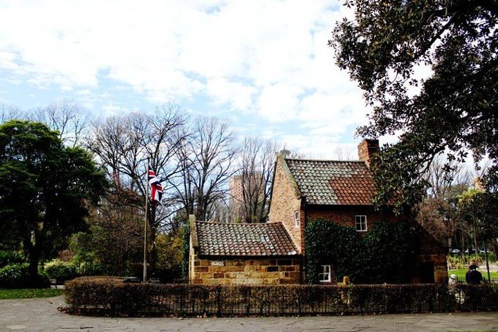 """""""库克船长的小屋位于墨尔本市中心的菲茨若伊..._库克船长的小屋""""的评论图片"""