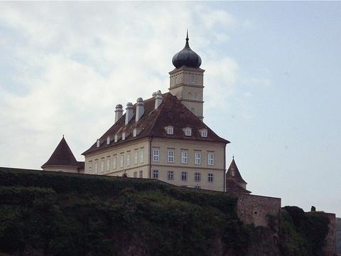熊皮尔城堡旅游景点图片