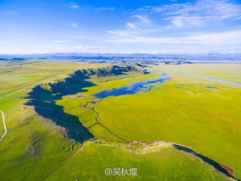 巴音布鲁克天鹅湖旅游景点图片