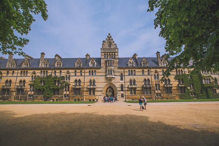 """""""然后我们准备参观牛津大学基督教堂学院(Christ Church)。运气不错,参观的人并不是很多_牛津基督教堂学院""""的评论图片"""