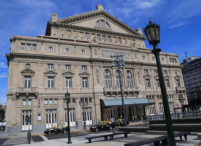 """""""总之一句话,这里的交通设施非常完善发达_科隆大剧院""""的评论图片"""