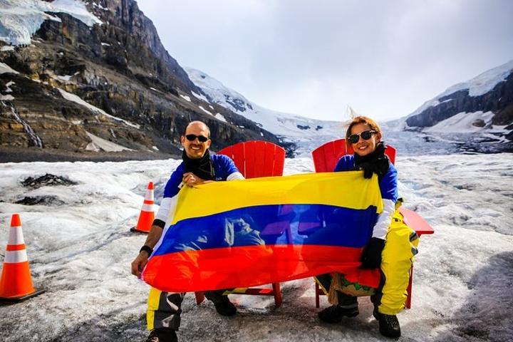 """""""...体验了爬坡、缓降、冰上运动的刺激,这个庞然大物载你的一段行程不失为全部观赏景点的最经典体验之一_哥伦比亚冰原""""的评论图片"""
