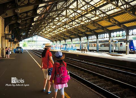 布卢瓦车站旅游景点攻略图