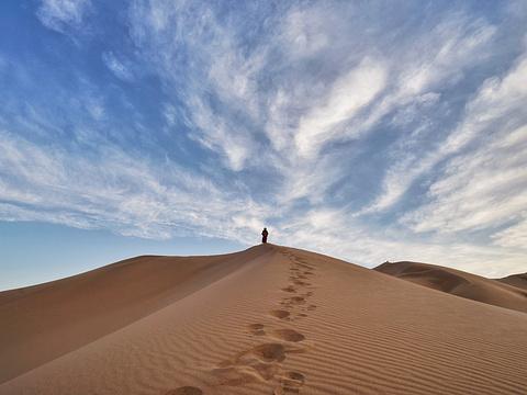 巴丹吉林沙漠旅游景点图片