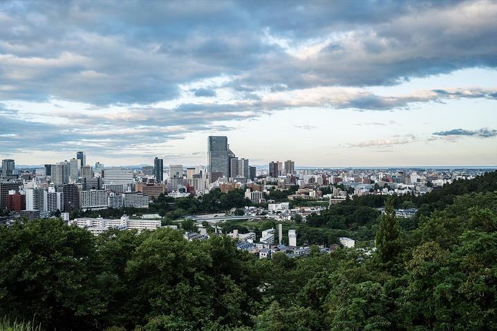 """""""仙台不同于东京,是一座现代化的小城,虽然没有高楼,但是10多层的建筑也是不少。_仙台城遗址""""的评论图片"""