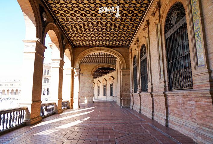 """""""西班牙广场Plaza de Espana有轨电车下车后,步行穿过一个街心花园。▲壮观的西班牙广场_西班牙广场""""的评论图片"""