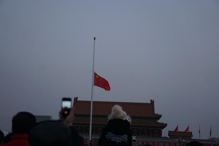 2017很多外国人难以理解,天安门升旗有什么魔