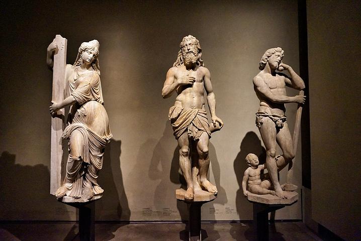 """""""博物馆很大,有清晰的参观路线,慢慢走完至少也需要30分钟_阿仁伽里奥宫""""的评论图片"""