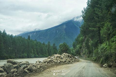 雅鲁藏布大峡谷