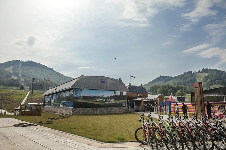 """""""来过长白山几次,这儿绝对是夏天避暑,冬天滑雪泡温泉的好地方_长白山国际度假区""""的评论图片"""