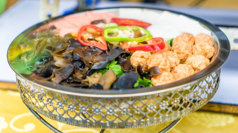 Image result for 城隍廟一帶更可謂是品嚐地道小吃和滬菜的必到之處