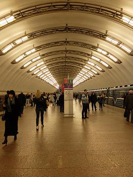 Ploschad Vosstaniya地铁站旅游景点攻略图