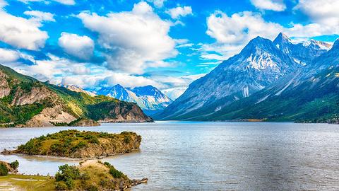 然乌湖的图片
