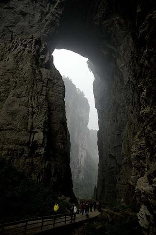 """""""景区鬼斧神工的地貌和神秘气氛很是令人震撼和迷恋_武隆天坑地缝国家地质公园""""的评论图片"""