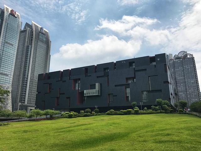 """""""一幅8米多高、20多米长的巨大弧形广东地图令人震撼。我喜欢参观博物馆。【景点游玩时间】3_广东省博物馆""""的评论图片"""