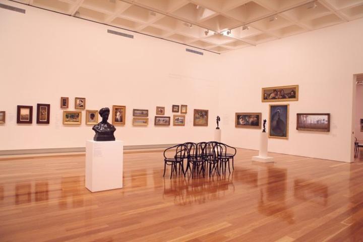 """""""布里斯班的天空非常湛蓝_昆士兰现代艺术画廊""""的评论图片"""