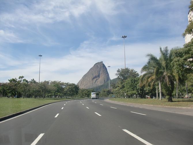 去酒店路上图片