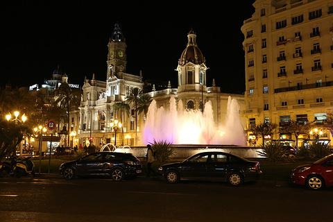 瓦伦西亚市政广场旅游景点攻略图