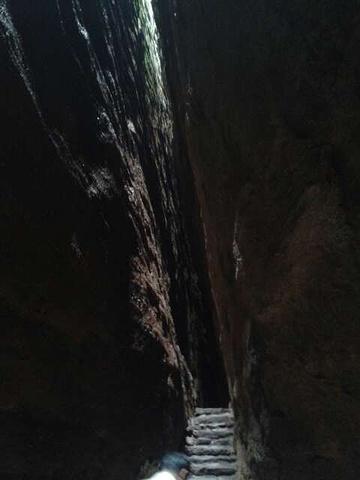 """""""武夷山景色真的是很美,但是确实也累啊!船工讲了几个景点,,还是下午看比较好 大清早雾蒙蒙的_武夷山""""的评论图片"""