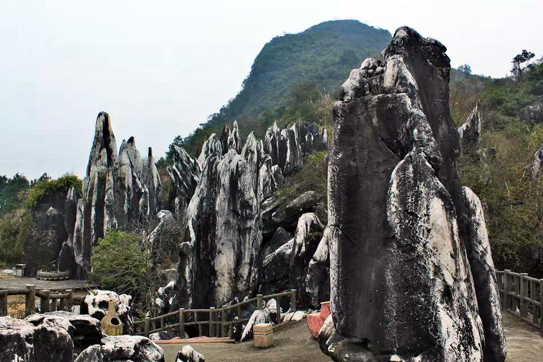 贺州:秀美姑婆山,神奇十八水,美哉玉石林