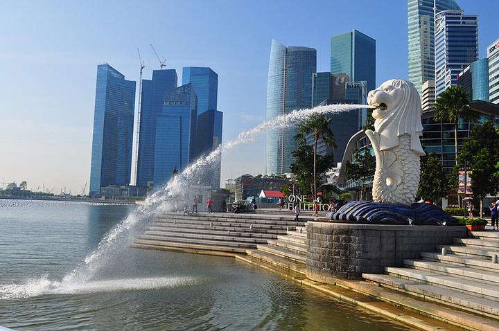 """""""新加坡本来面积就很小,鱼尾狮公园更是小,但是这是每个来新加坡的游客必定要参观的景点吧_鱼尾狮公园""""的评论图片"""