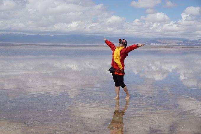橡皮山——茶卡盐湖图片