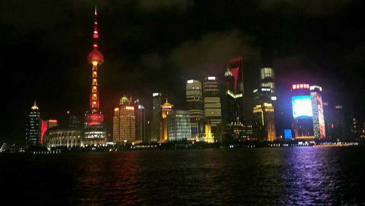 """""""...是个人最不推荐的景点了,东方明珠从它矗立在浦东的那一刻起,就成了上海乃至整个中国重新崛起的标志_东方明珠""""的评论图片"""
